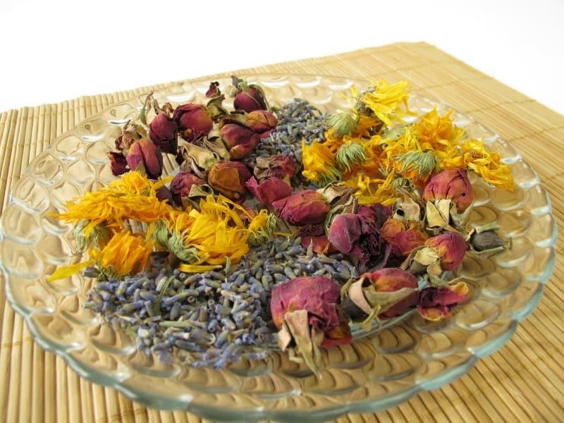 Dried rose petals, lavender adn chamomile