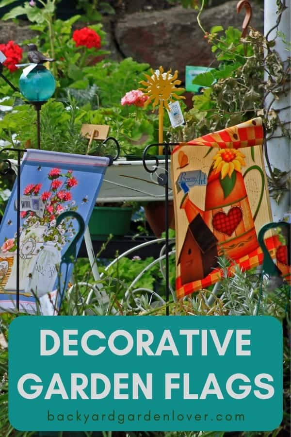 Decorate your front yard with a unique seasonal flag in your front yard. Here are several ideas to get you started. Spring, summer, fall or winter are all opportunities to update your outdoor to welcome friends and family as they come in. #flag #seasonalflags #welcomeflags #outdoorflags #gardenflags #flags