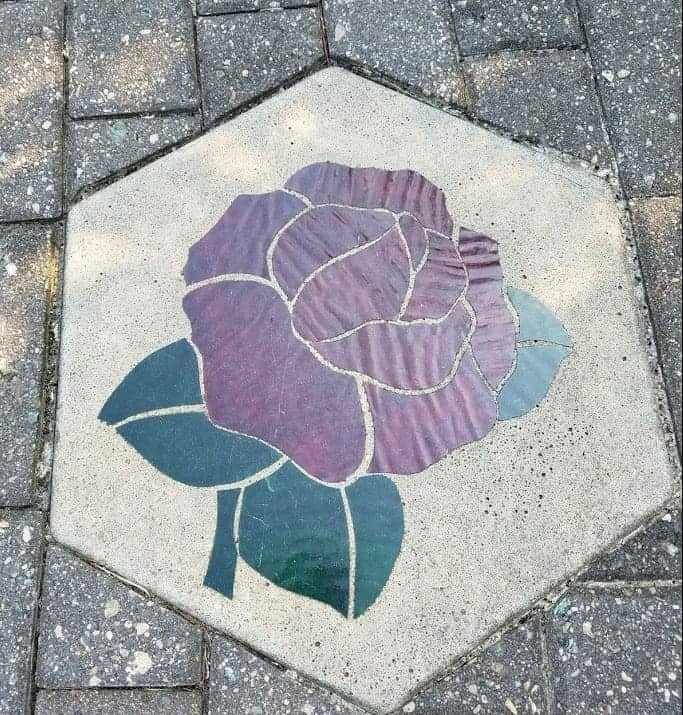 Purple flower decorative garden stepping stone