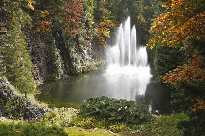 Magnificent fountain in well-known Butchart garden