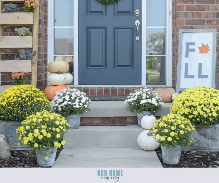 Simple Fall Front Porch with Mums
