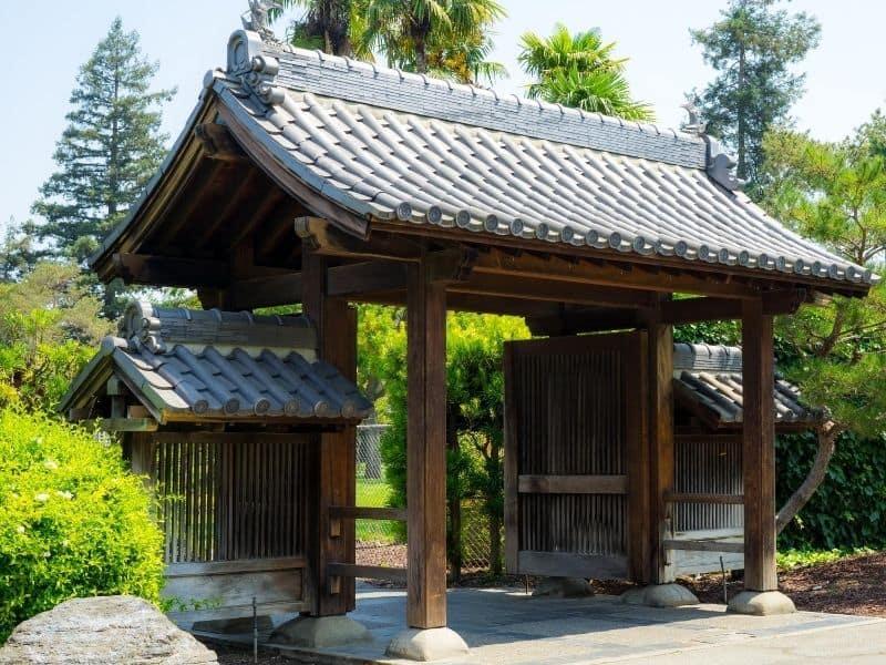 Garden entry with a Japanese flair