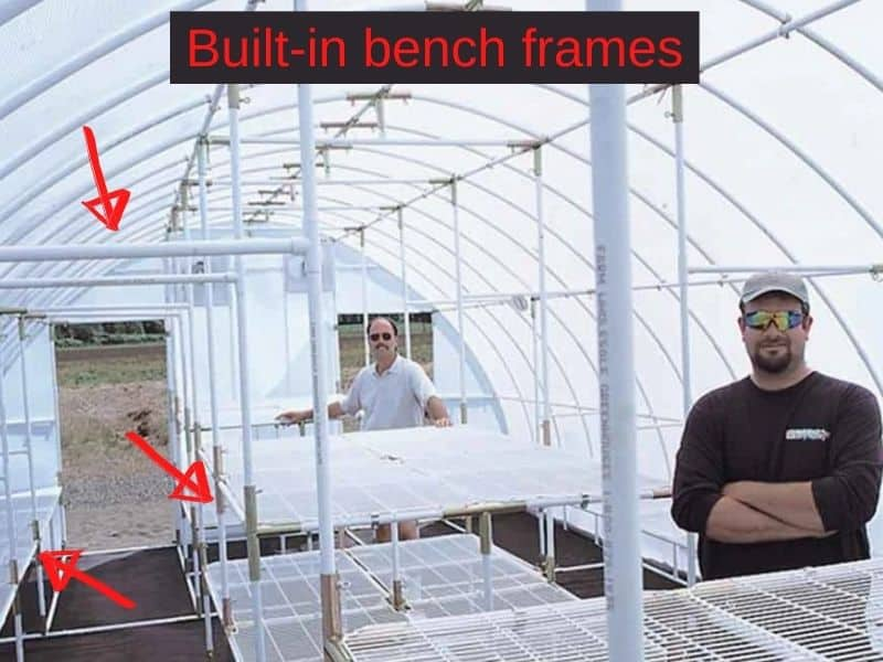 Built-in bench frames in the Solexx greenhouse