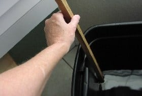 Using the dipstick