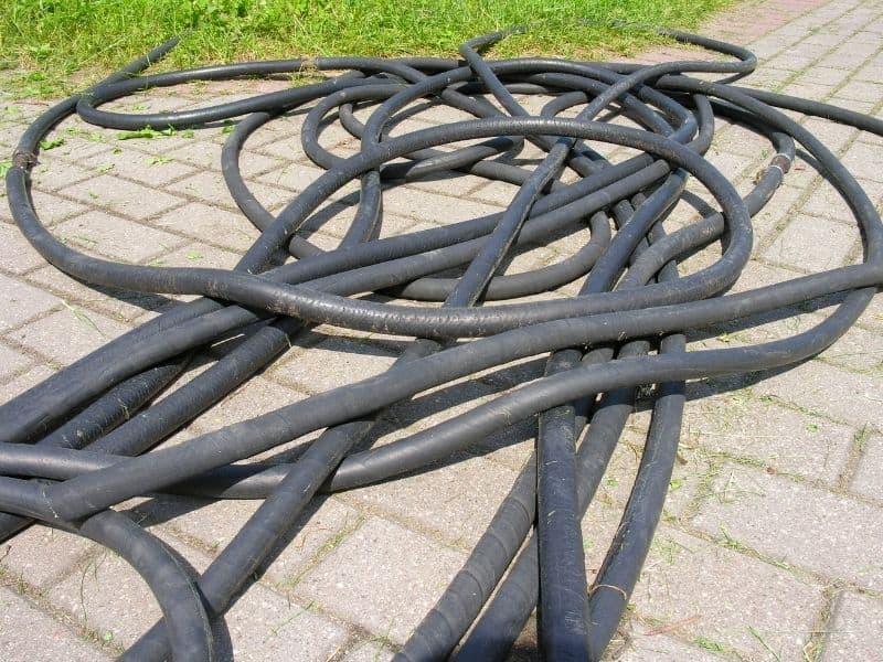 tangled up garden hoses