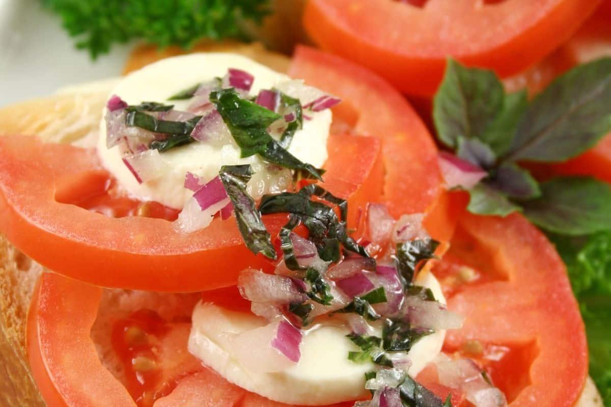sanduíche de tomate fresco