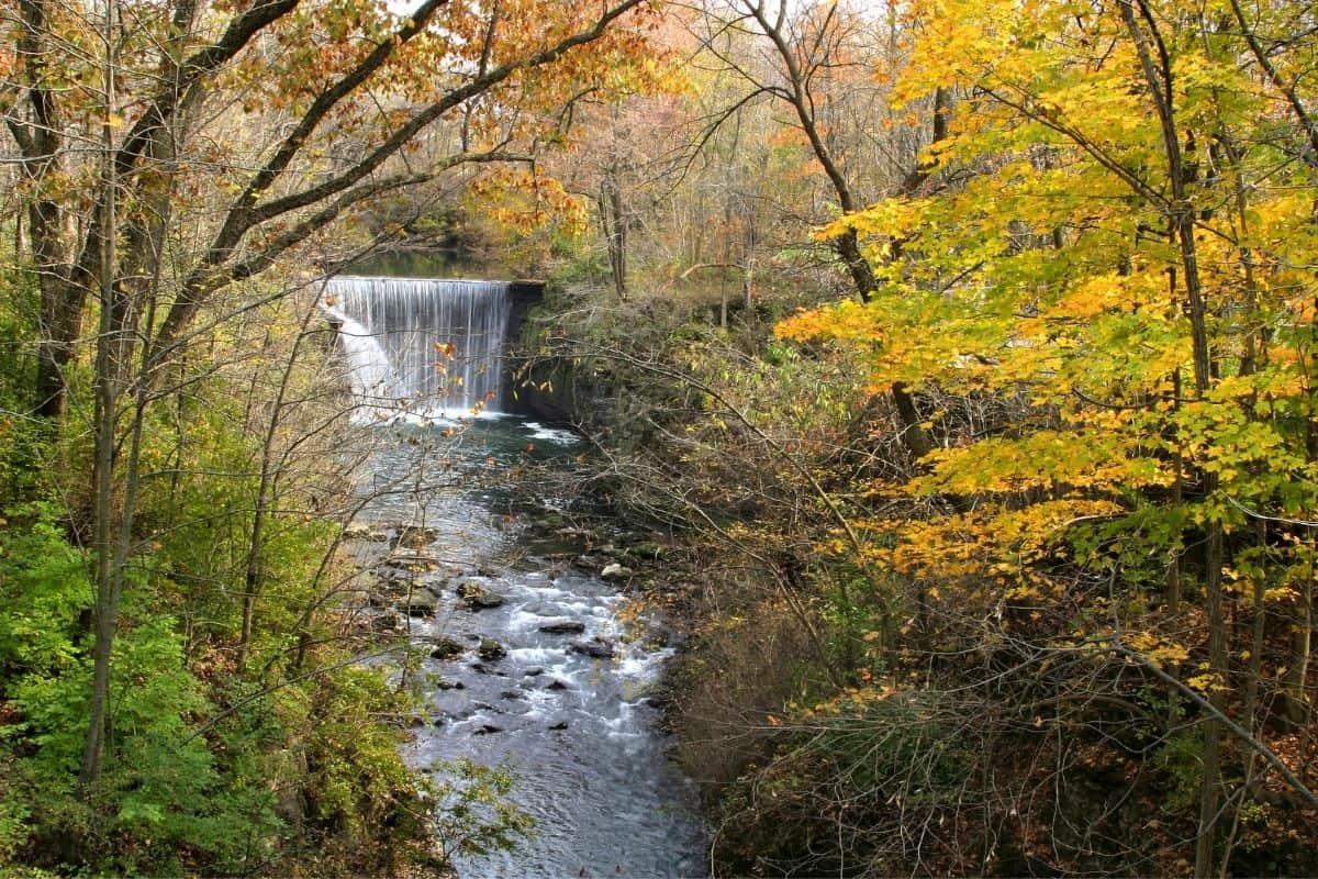 autumn at Raven Cliff falls